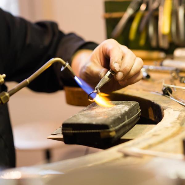 ISIC   Réparation de bijoux à Bourgueil